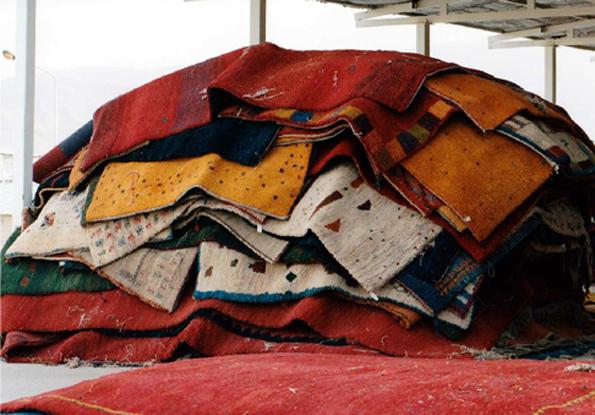 絨毯の集荷